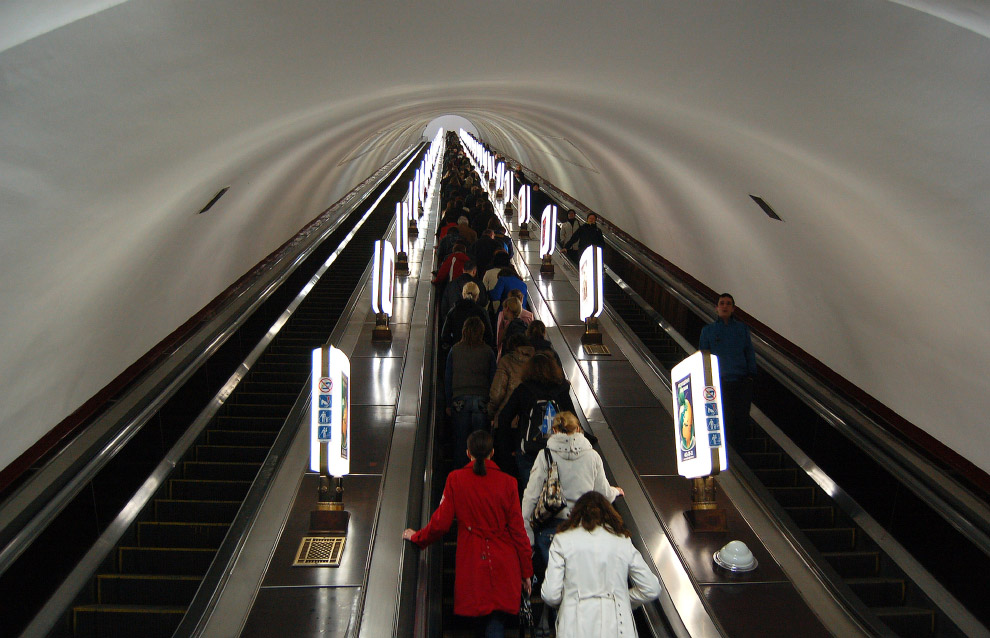 глубина залегания станции Киевского метрополитена «Арсенальная»