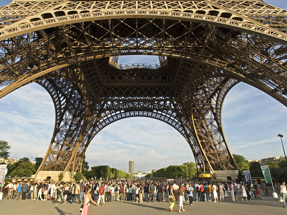 The Awful Truth About the Most Famous Sights