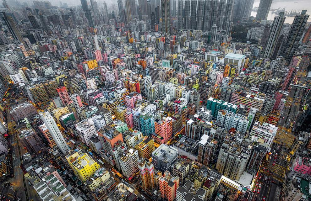 Разноцветные дома в Гонконге