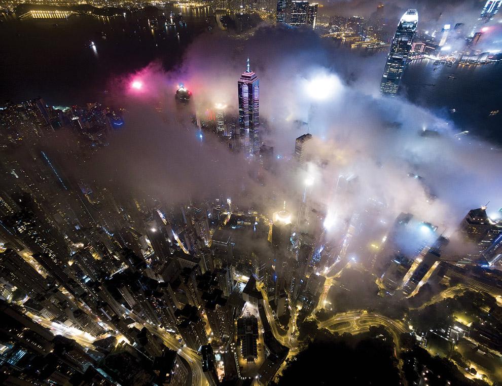 Туманная ночь в Гонконге