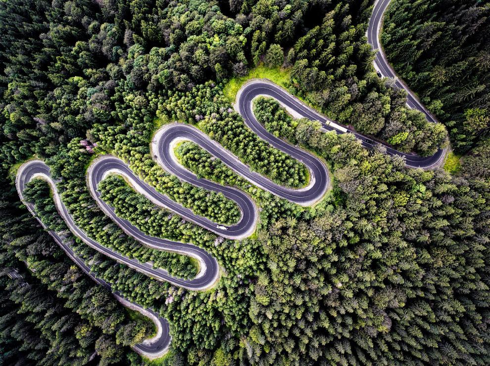 Второе место в категории «Природа». Бесконечная дорога в Трансильванию