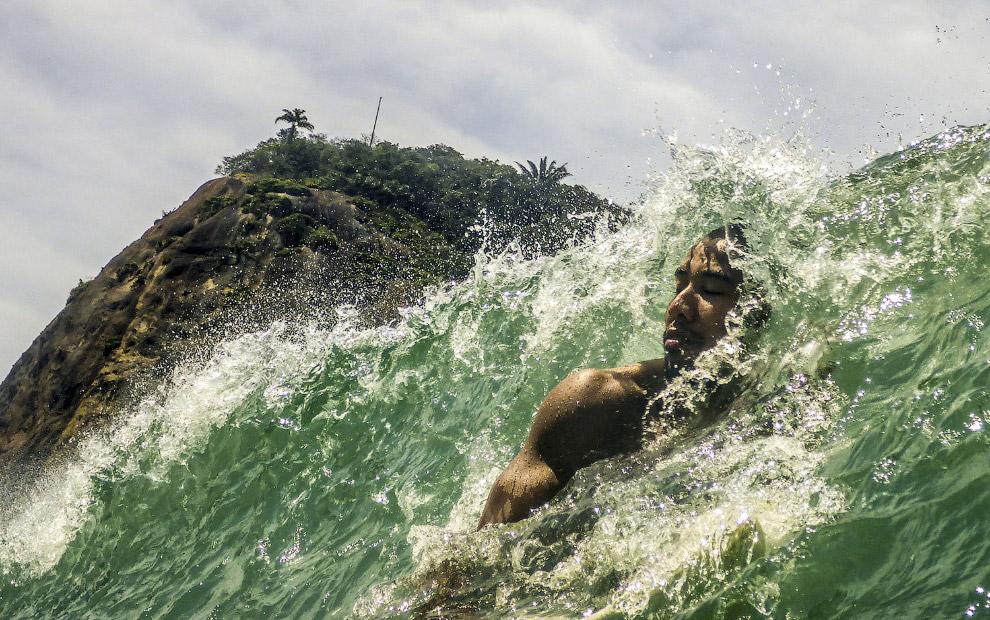 Бразильский серфер