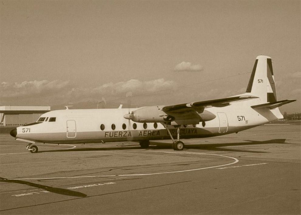 Самолет Fairchild FH-227D борт T-571