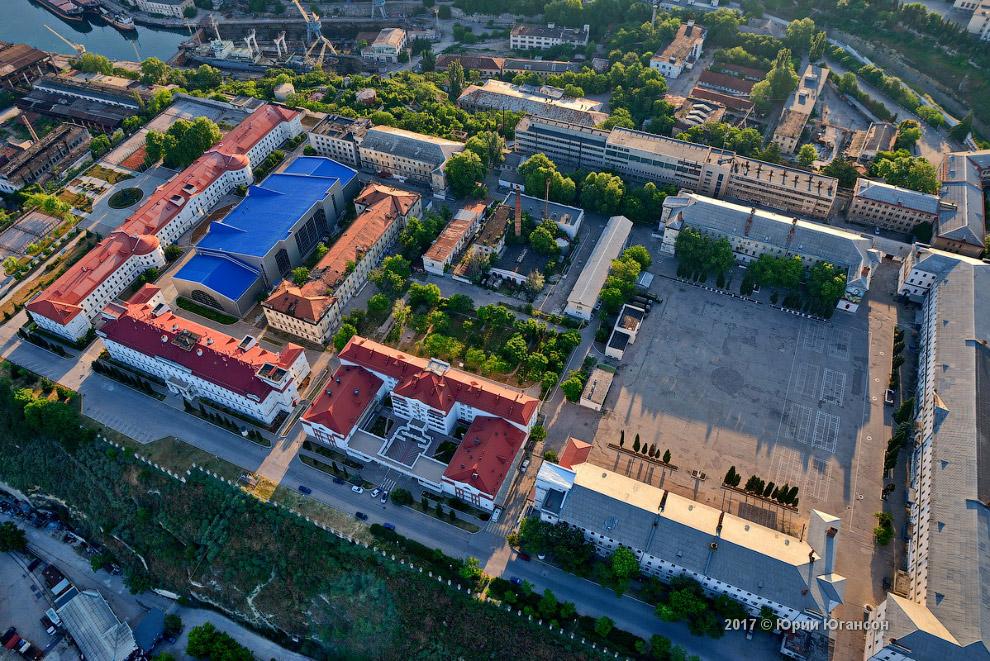 Снова бывшие Лазаревские казармы и МГУ