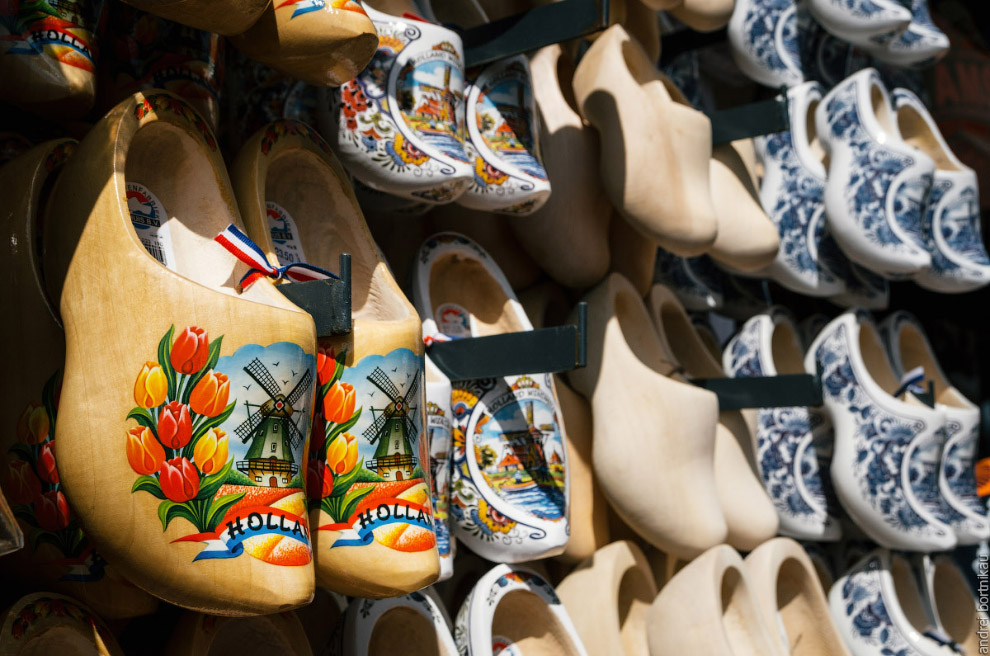 klomp - dutch clogs made of poplar wood, traditional shoes with colorful paintings.