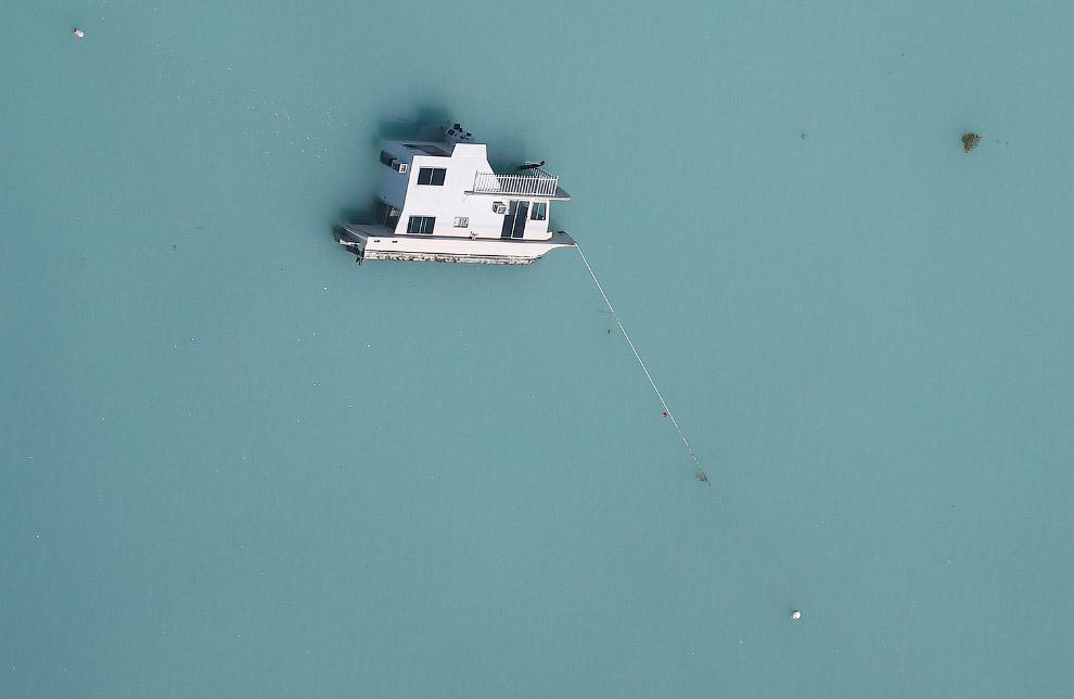 Перевернувшаяся лодка, Флорида