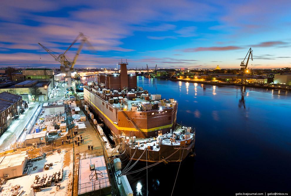 Достроечная набережная Балтийского завода