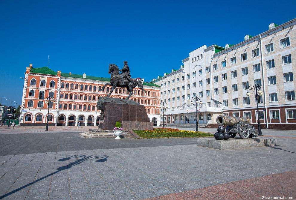 площади Оболенского-Ноготкова