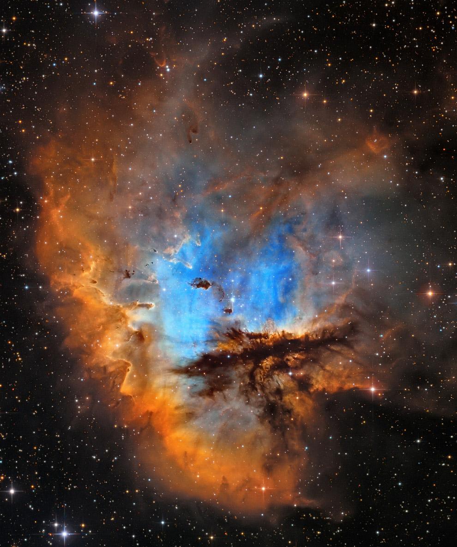 NGC 281 — эмиссионная туманность в созвездии Кассиопея