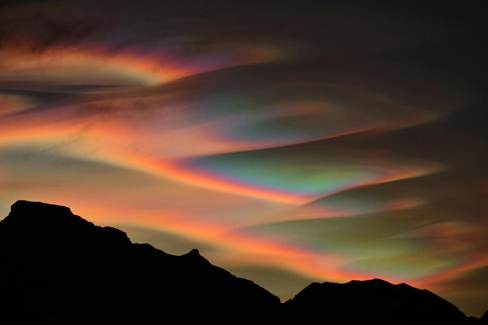 Перламутровые облака  над Лофотенами, Норвегия