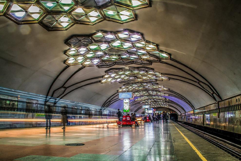 Станция «Новза» (бывш. им.Хамзы)