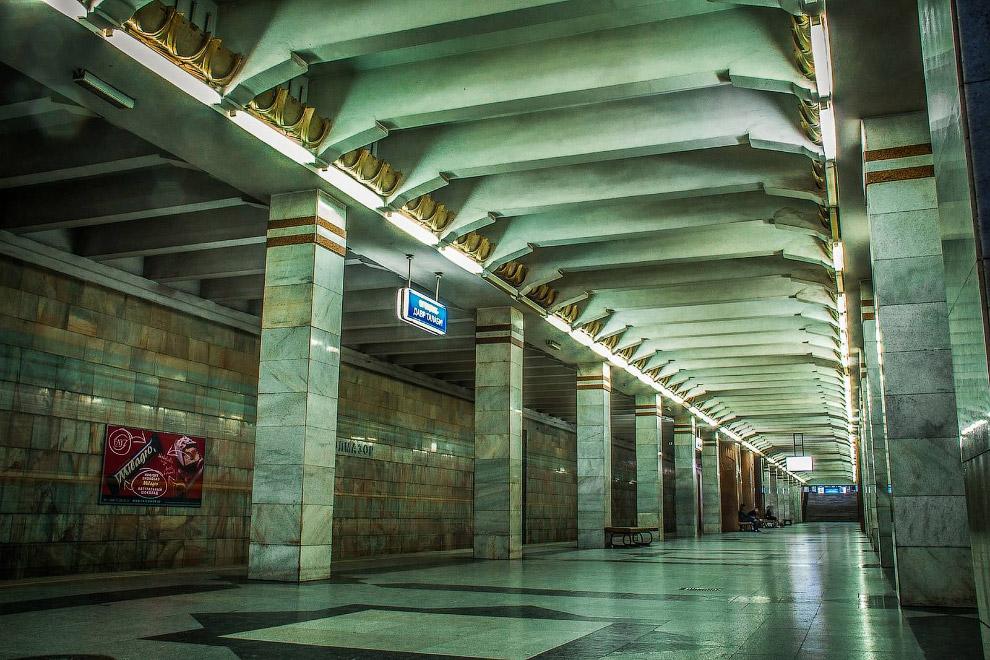 Станция Олмазор (бывш. им. Собира Рахимова)