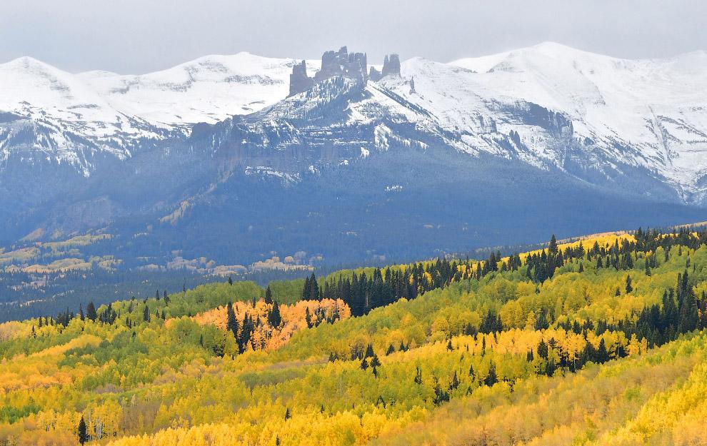 А это осенний пейзаж из Колорадо