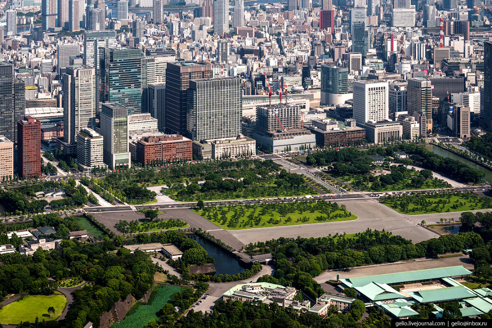 Национальный сад (Kokyogaien National Garden)