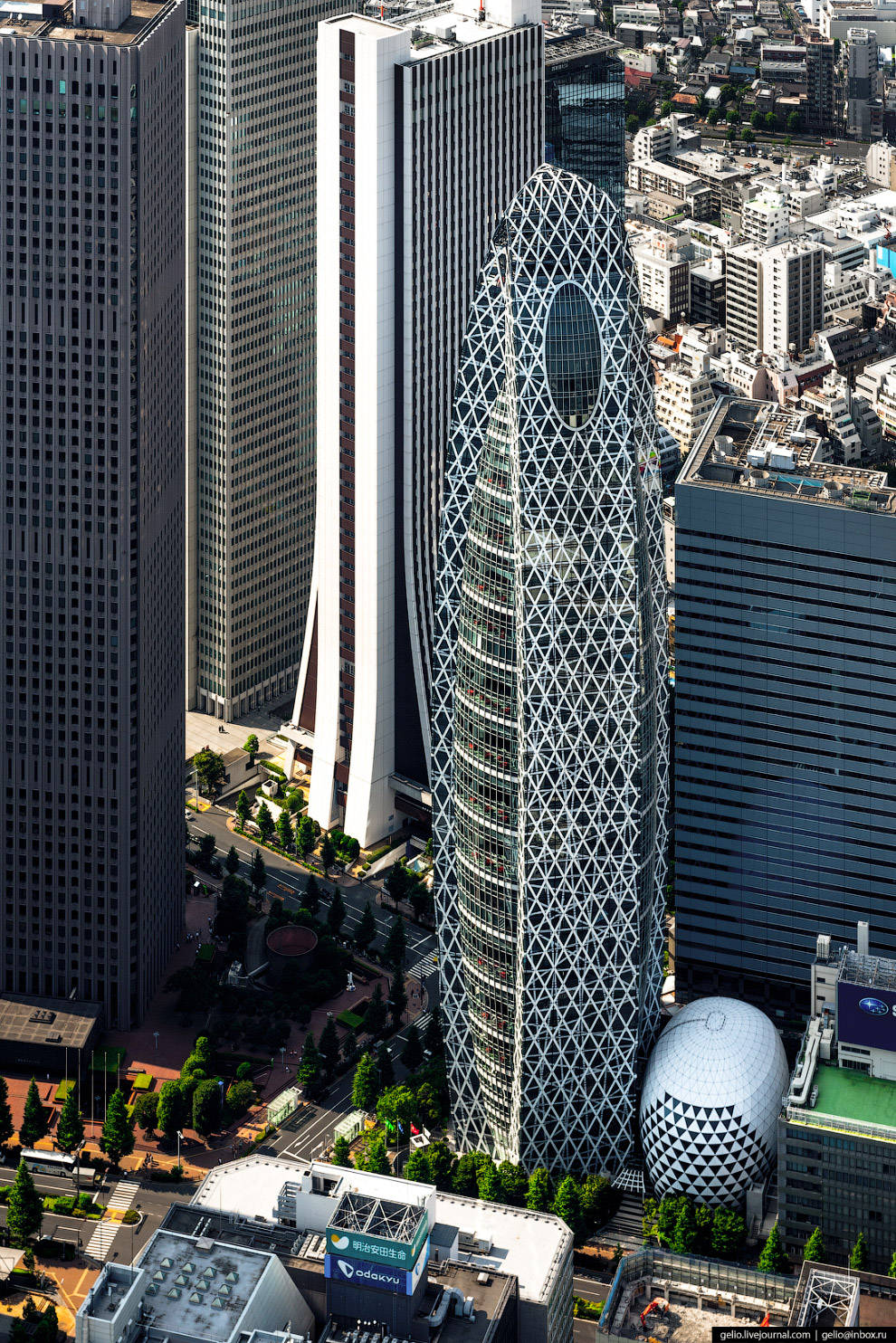 Башня-Кокон Модэ Гакуэн (Mode Gakuen Cocoon Tower)
