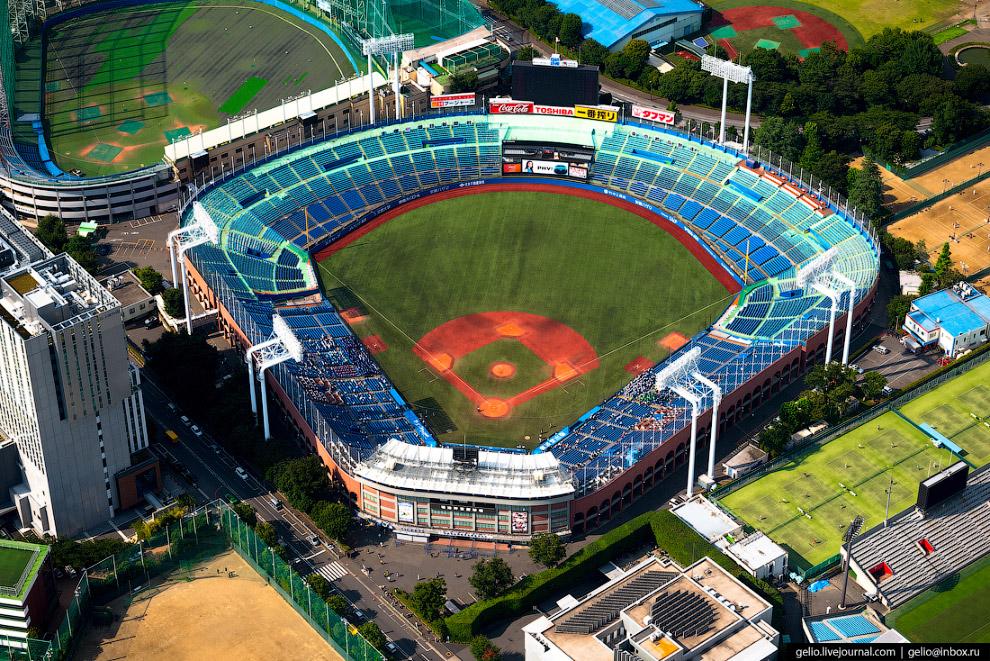 бейсбольный стадион Мэйдзи-дзингу