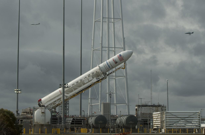 Старт американского космического грузовика Лебедь