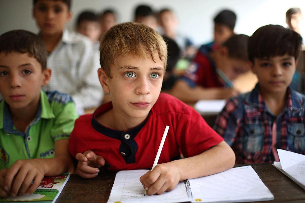 Ученики школы в Думе, Сирия