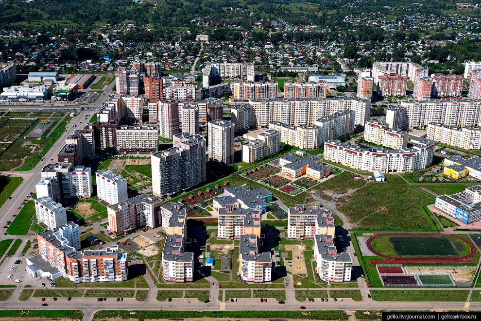 Микрорайон новостроек в Рудничном районе города Кемерово.