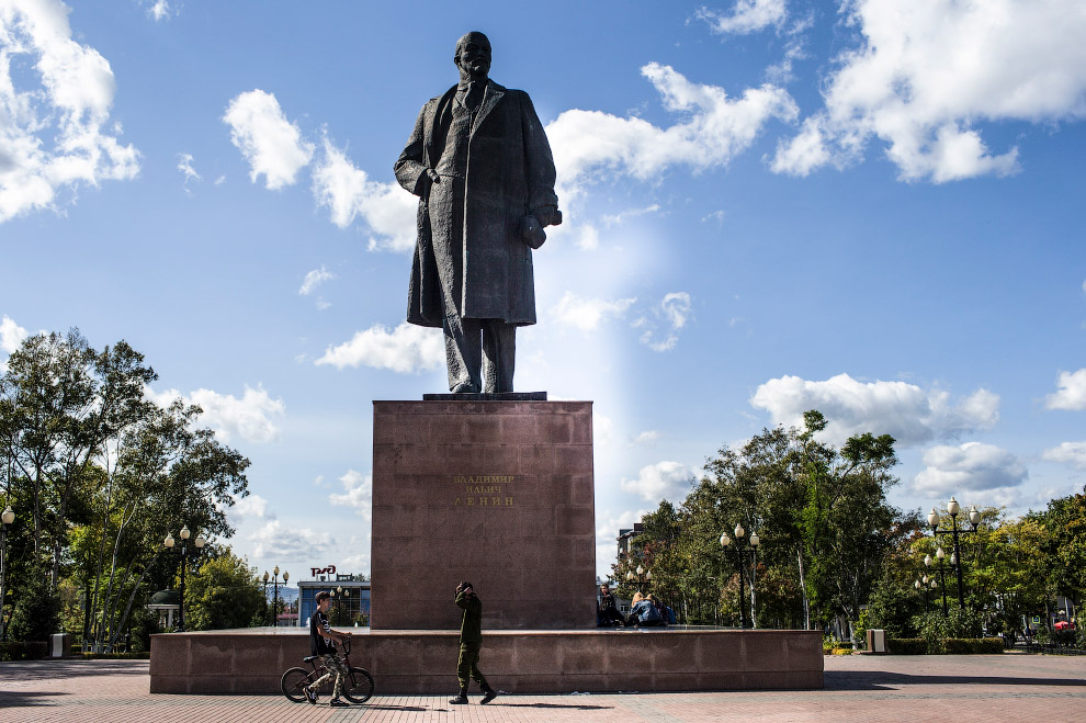 Ленин в Южно-Сахалинске