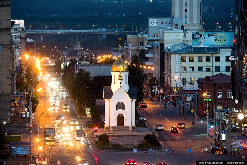 Часовня во имя Святителя и Чудотворца Николая на Красном проспекте Новосибирска