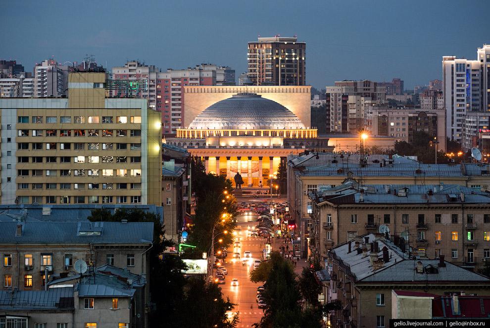 Улица Ленина в центре Новосибирска