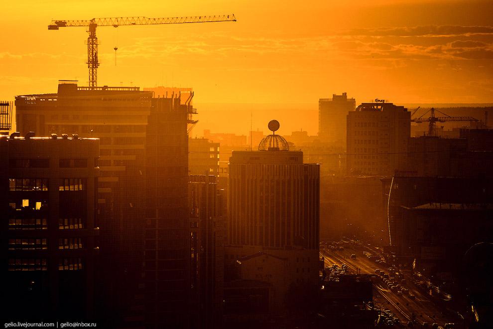 Новосибирск строится.