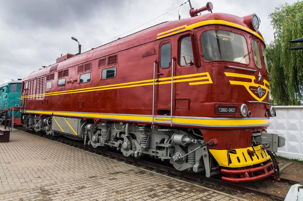 Пассажирский тепловоз ТЭП60 №0437