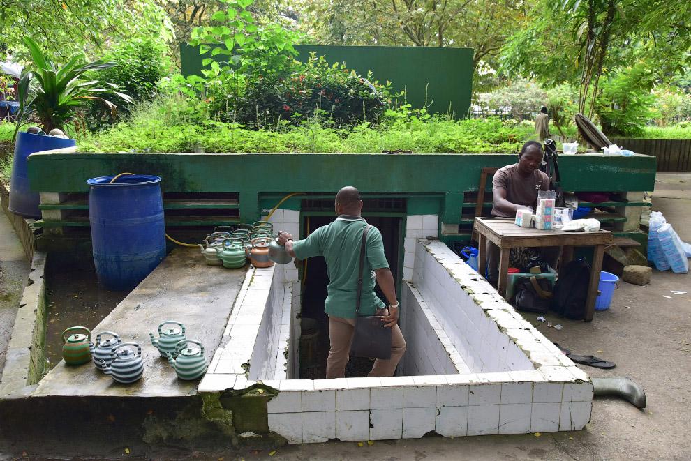 Общественный туалет в Кот-д'Ивуар