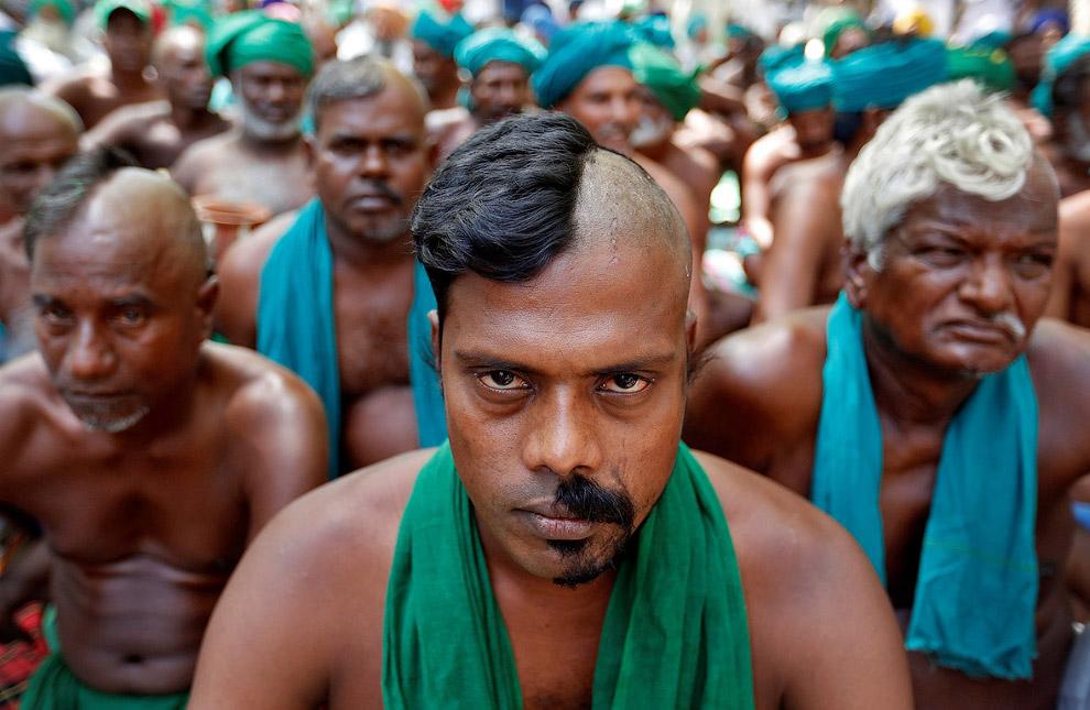 Фермеры требуя от федерального правительства принятия мер по борьбе с засухой, Нью-Дели, Индия