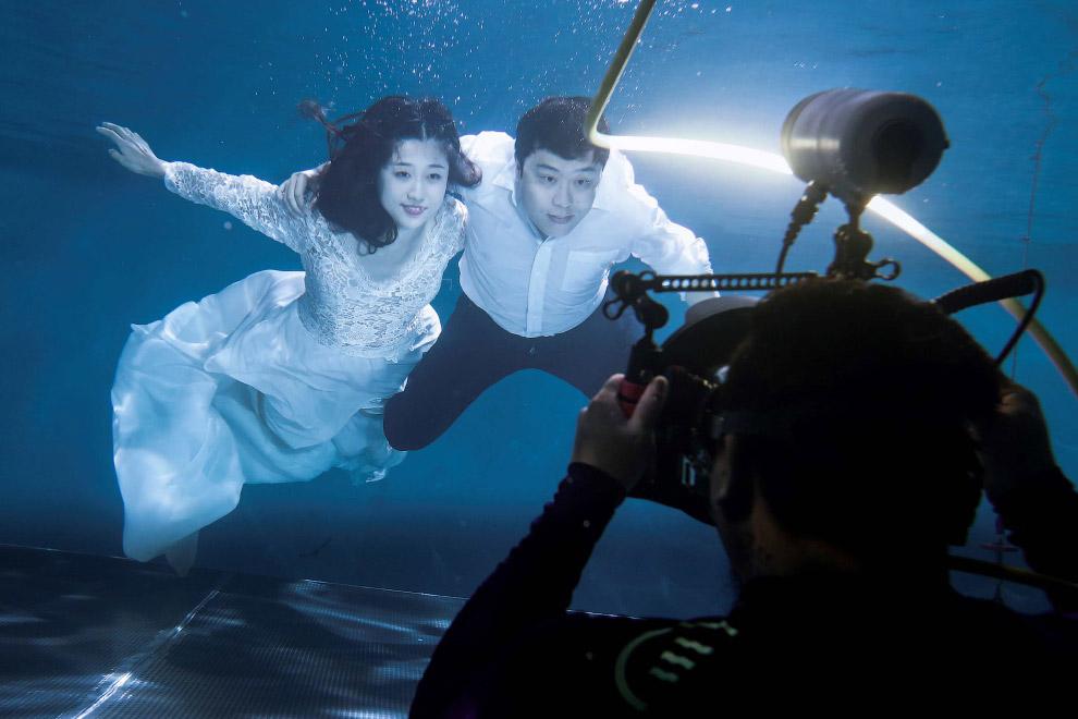 Подводная свадьба в Китае