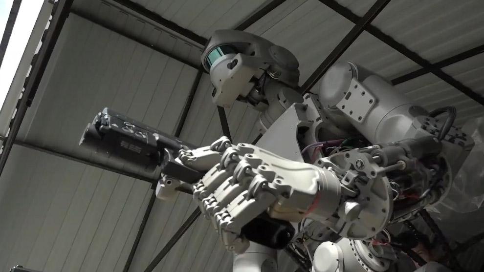 отечественный робот Федор
