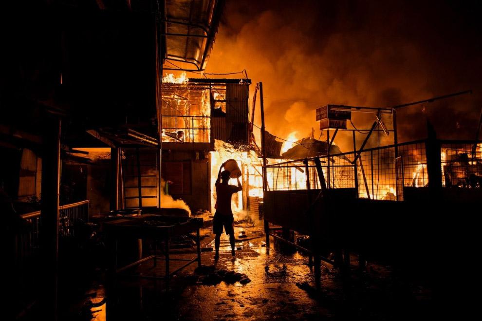 Пожар в Маниле на Филиппинах