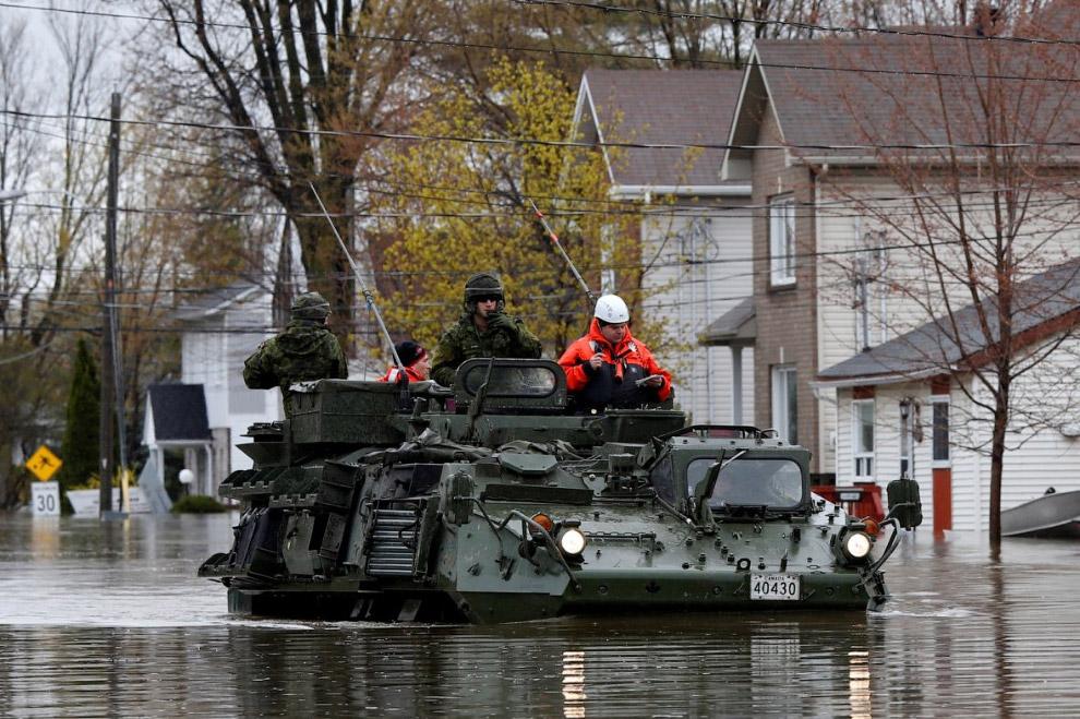 В мае в канадской провинции Квебек из-за непрекращающихся ливней началось сильнейшее наводнение