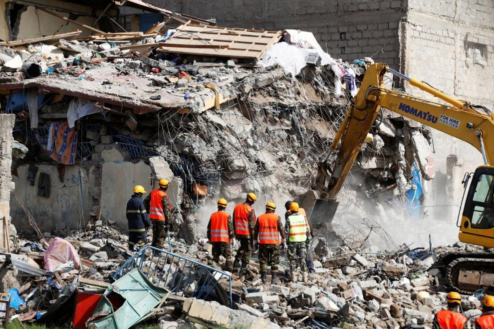 В Кении в результате обрушения семиэтажного здания пропали 15 человек