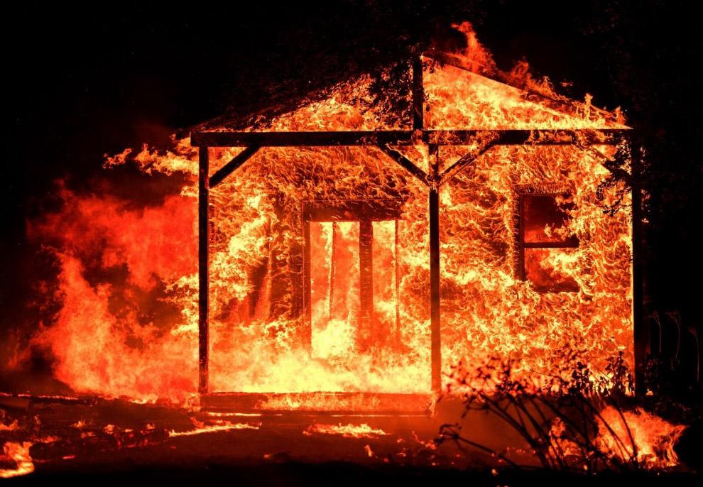 А в Калифорнии продолжались лесные пожары