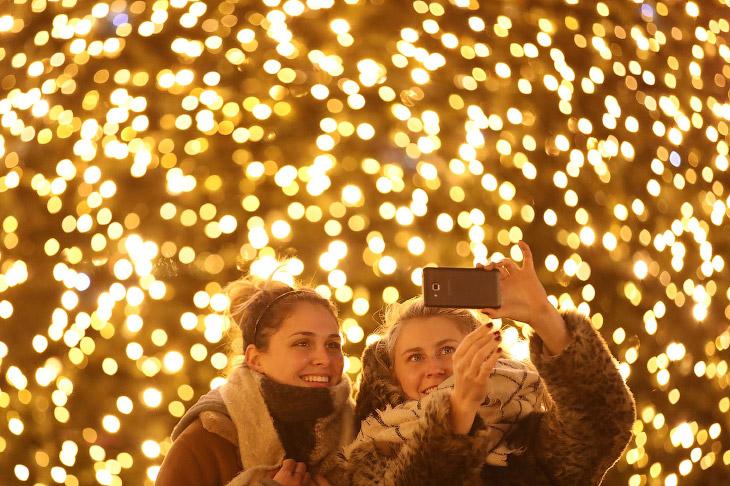 Рождественский рынок на Александерплац в Берлине, Германия