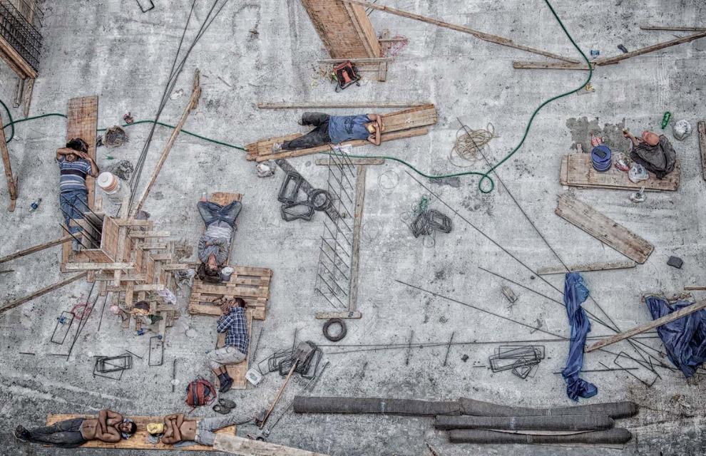 Турецкие рабочие на стройке