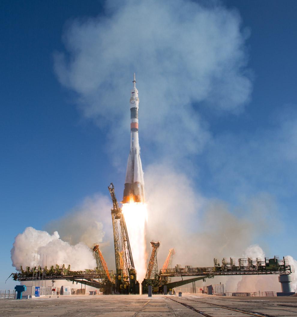 Старт российского космического корабля «Союз МС-07»