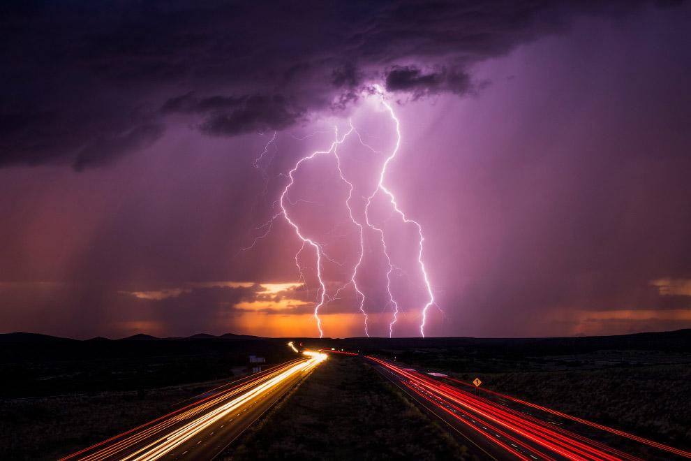 Молнии на шоссе