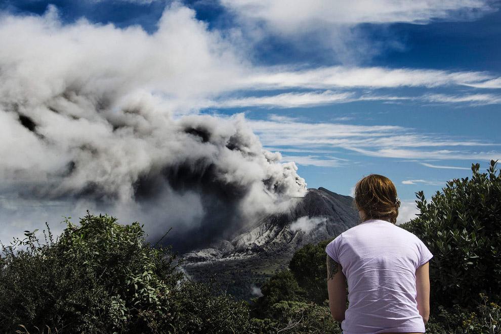 Действующий вулкан Турриальба в Северной Америке