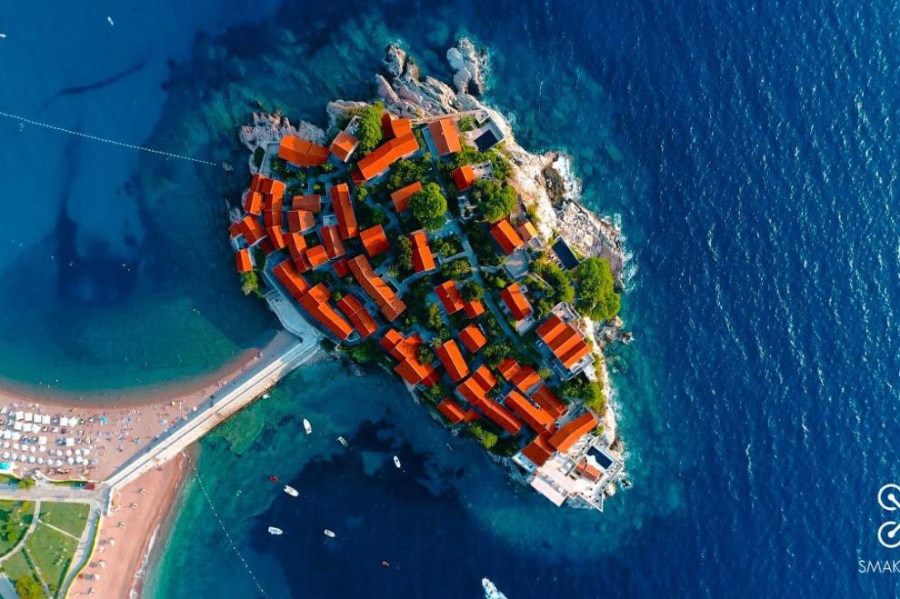Отель Sveti Stefan на Адриатическом побережье Черногории