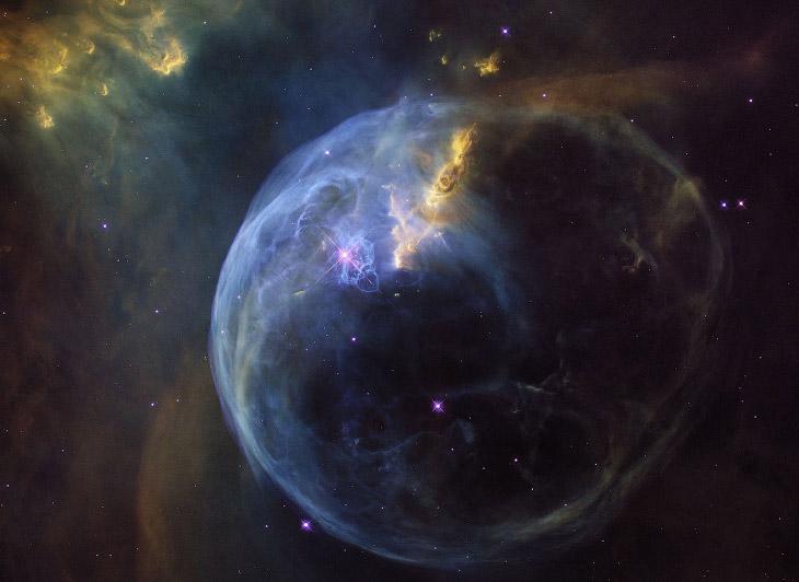 Лучшие снимки телескопа Хаббл за 2017 год