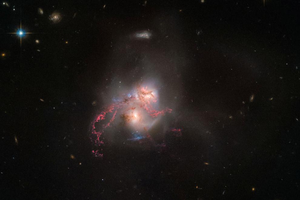 Галактика NGC 5256 в созвездии Большая Медведица