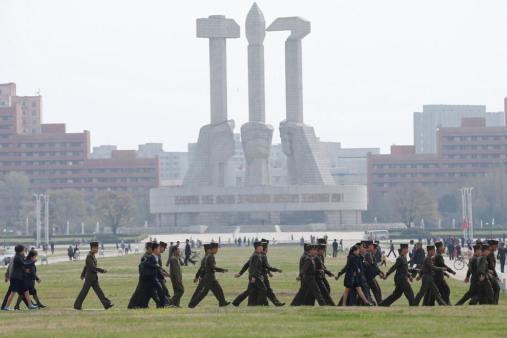 Еще один снимок Монумента основания Трудовой партии Кореи