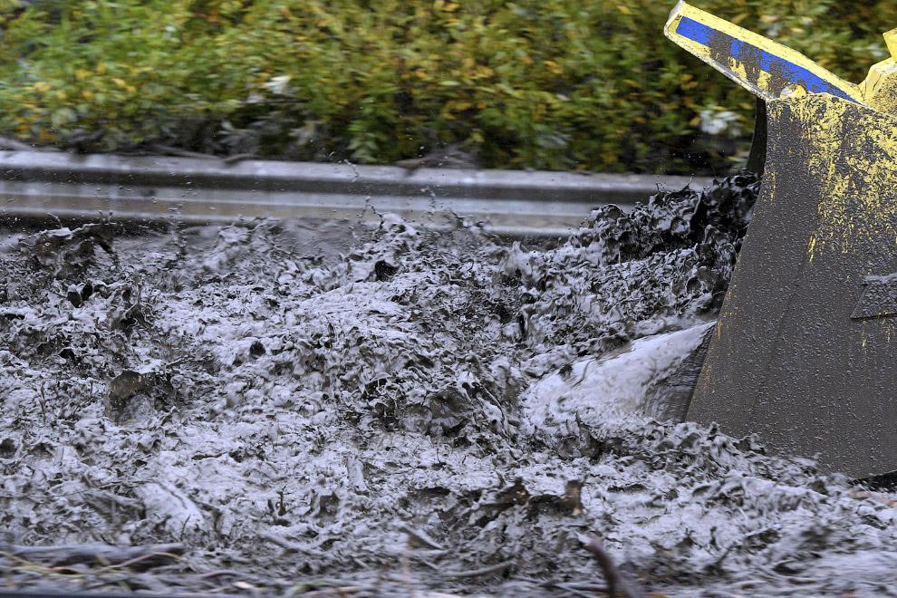Уборка грязи бульдозером, Калифорния