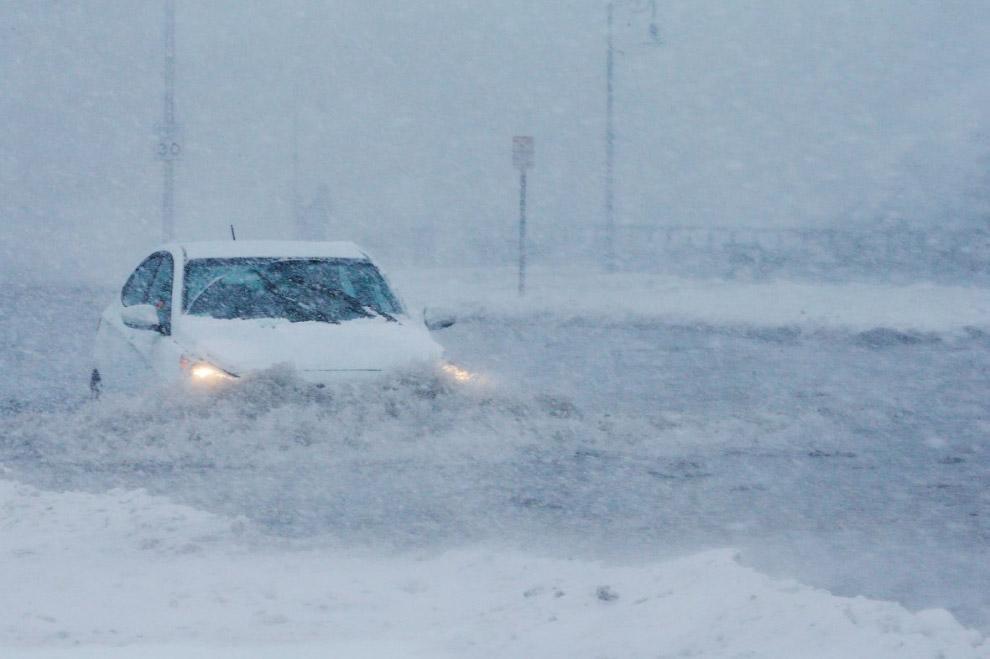 Пригороды Бостона залиты смесью воды со снегом