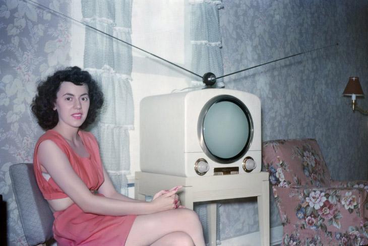 Dziewczyna z telewizorem