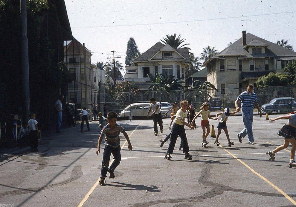 Дети на площадке. Лос-Анджелес, 1954 год.