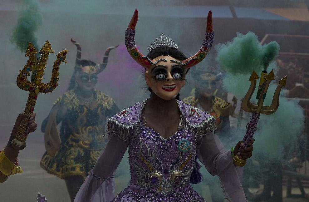 Карнавал в Оруро, Боливия, 10 февраля 2018.
